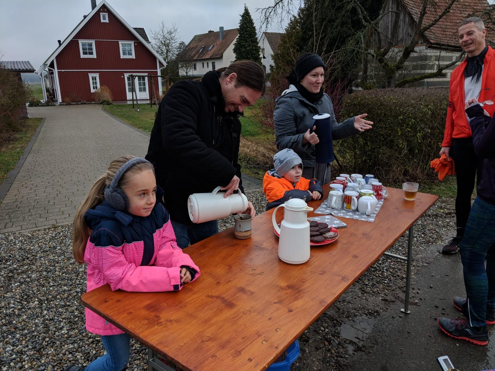Verpflegungsstation in Rezelsdorf bei Heiko